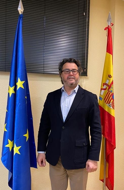 ROBERTO TOMAS VILLAURIZ